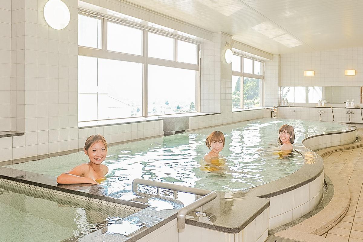 越後湯澤 Gala滑雪場特色服務介紹 溫泉SPA及室內泳池