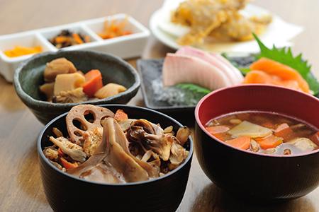 ガーラ湯沢30周年記念 20食限定メニュー「新潟の山と海の結婚式」